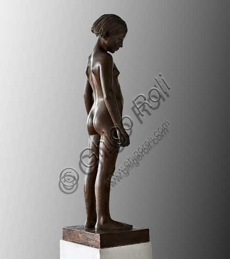 """Collezione Assicoop - Unipol inv. n° 390: Vittorio Magelli  (1911-1988); """"Adolescente""""; scultura in bronzo; h. cm. 125."""