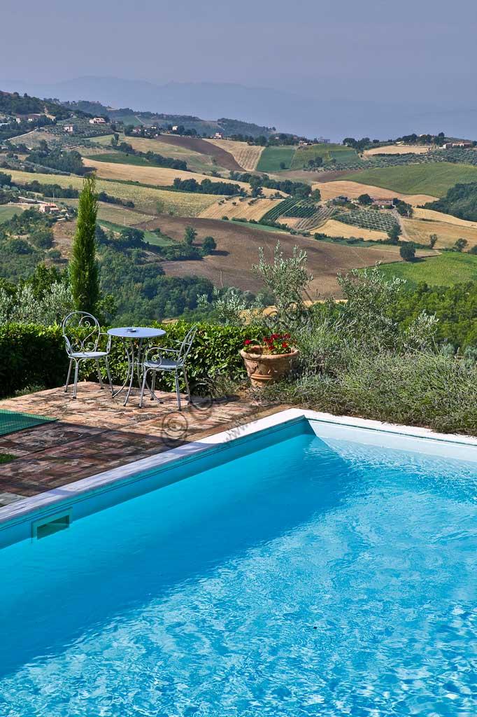 "Agritourism ""La Ghirlanda"": the swimming pool."