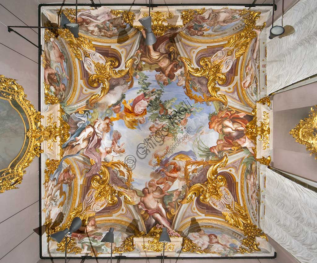 """Palazzo Rosso, sala dell' Estate, volta:  """"Allegoria dell' 'Estate"""", affresco di Gregorio De Ferrari e Antonio Maria Haffner."""