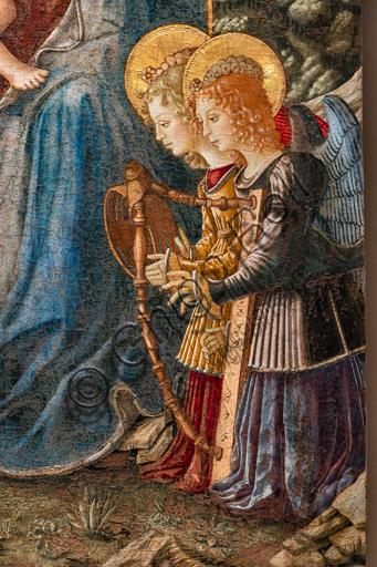Perugia, Galleria Nazionale dell'Umbria: Madonna si S. Domenico, di Benedetto Bonfigli,1448-9, tempera e olio (?) su tavola.  Particolare con angeli musicanti.