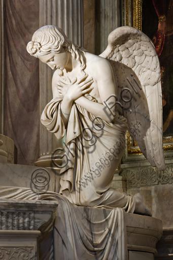 """Genova, Duomo (Cattedrale di S. Lorenzo), interno, Cappella Lercari o del Santissimo Sacramento (abside settentrionale), Ciborio: """"Angelo"""", di Giuseppe Gagini, 1818-21."""