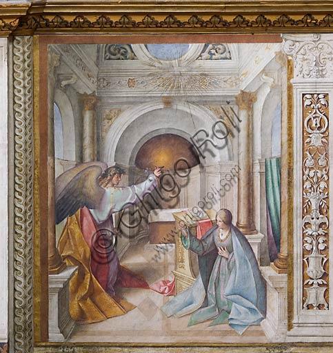 """Cremona, Duomo (Cattedrale di S. Maria Assunta), interno,   navata mediana, terzo arcone: """"Annunciazione"""", affresco di Boccaccio Boccaccino, 1515."""