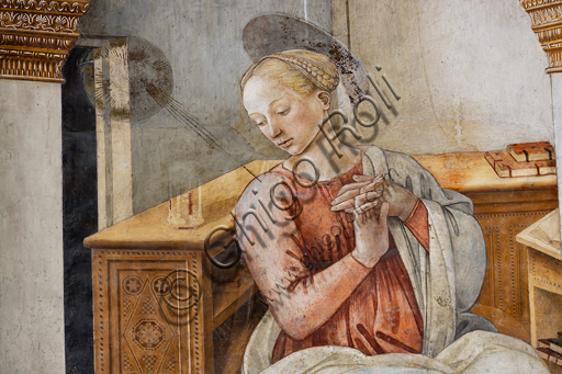 """Spoleto, the Duomo (Cathedral of S. Maria Assunta), presbytery, tholobate: """"Annunciation"""", fresco by Filippo Lippi, helped by Fra' Diamante and Pier Matteo d'Amelia, 1468-9.  Detail of the Virgin Mary."""