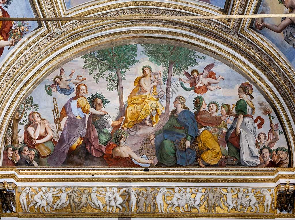 """Mantova, Palazzo Ducale, Appartamento Ducale, Sala degli Specchi (già Galleria Grande), lunettone di fondo:  """"Apollo e le Muse"""". Affresco di Carlo Santner, 1618."""