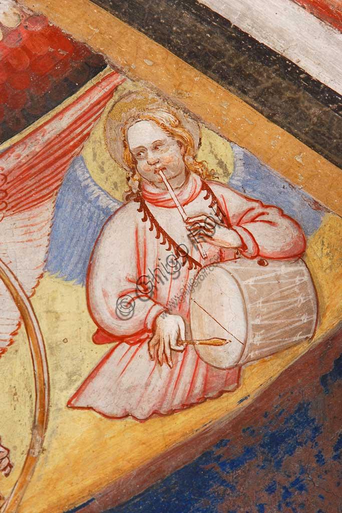 """Rocca di Vignola, Cappella Contrari, parete   orientale: """"Ascensione di Cristo"""". Affresco del Maestro di Vignola, anni Venti del Quattrocento.Particolare con angelo musicante che suona un tamburo."""