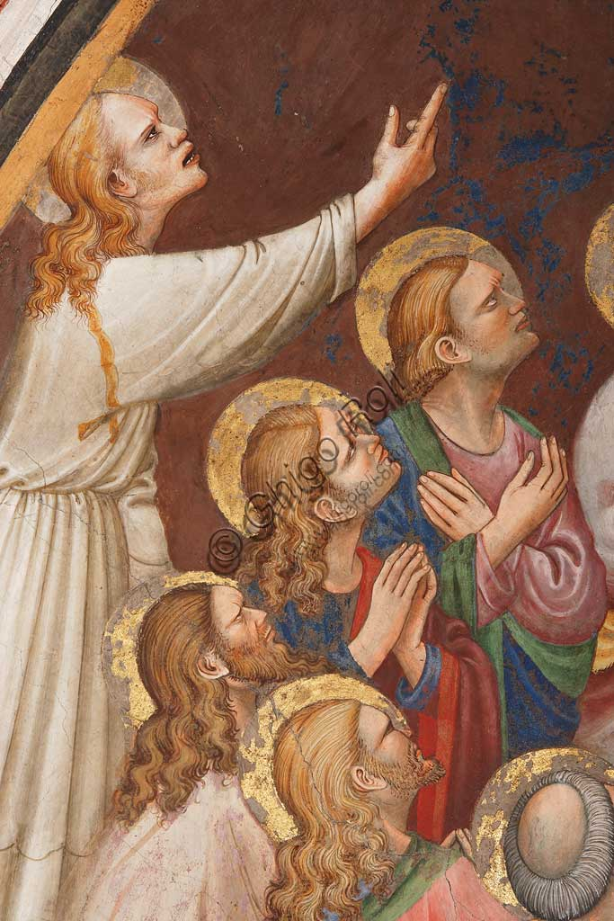 """Rocca di Vignola, Cappella Contrari, parete occidentale: """"Ascensione di Cristo"""". Affresco del Maestro di Vignola, anni Venti del Quattrocento. Particolare con figure maschili e santi."""