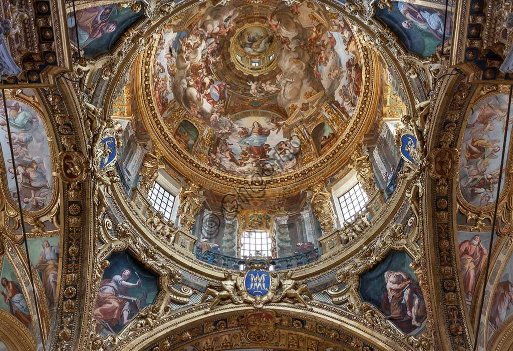 """Genova, Basilica della SS. Annunziata del Vastato, crociera del transetto, la cupola con  """"Assunzione di Maria"""". Affresco di Giovanni Andrea Ansaldo, 1635 - 1638."""