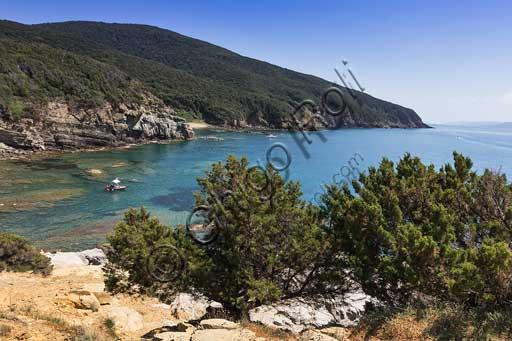 Buca delle Fate (Fairies Cove) along the coast of the Piombino Promontory.