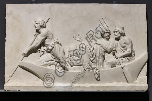 """""""L'ingresso di Alessandro Magno in Babilonia"""", fregio eseguito tra il 1818 e il 1828 da Bertel Thorvaldsen  (1770 - 1844) calco in gesso da un originale in marmo di Carrara. E' concepito come l'incontro tra due cortei che convergono verso il centro, cioè verso la figura di Alessandro Magno che avanza sul carro guidato dalla Vittoria, seguito dal suo celebre destriero Bucefalo e dai suoi soldati carichi di bottino. Di fronte al condottiero la figura allegorica della Pace, riconoscibile dal ramo di ulivo, precede il popolo e i governanti di Babilonia, che offrono i loro doni (cavalli, leoni, pantere…) al vincitore, mentre danzatrici spargono fiori in suo onore.Particolare con barca e uomini."""