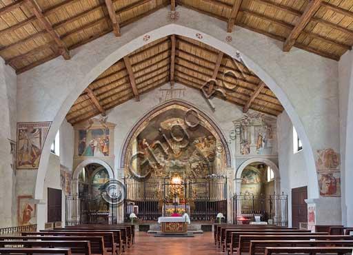 Bergamo, Città alta, Church of S. Michele al Pozzo Bianco: interior.
