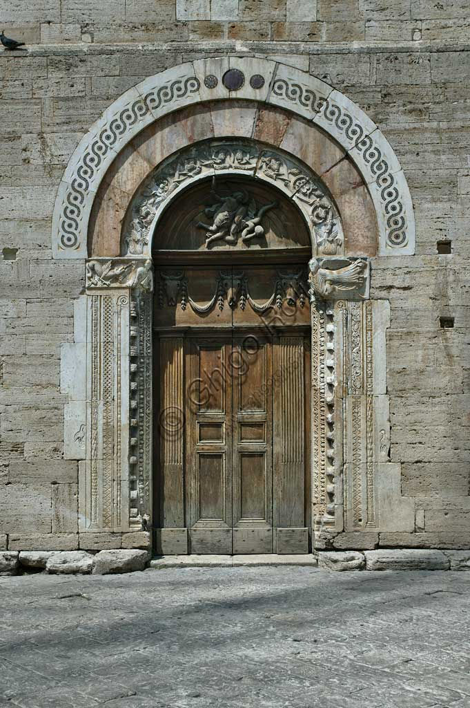 Bevagna, the Church of St. Miachael Archangel: the portal.