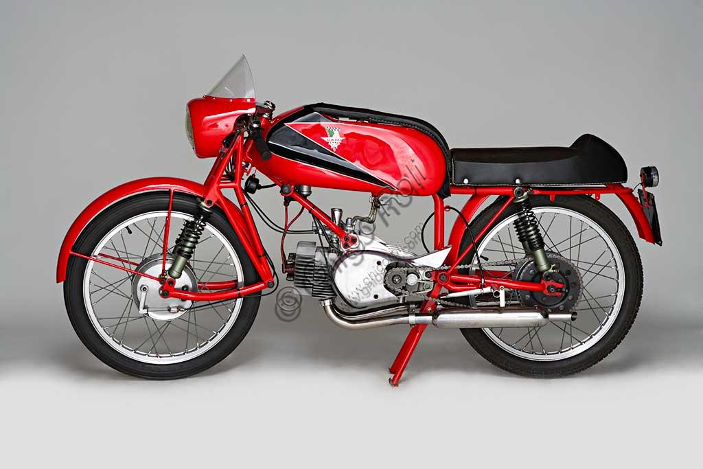 Ancient Motorbike Rumi Junior 125.