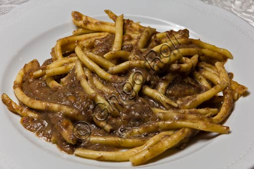 Bobbio, Piacentino Hotel and Restaurant: straccetti (kind of fresh pasta) with porcino mushrooms.