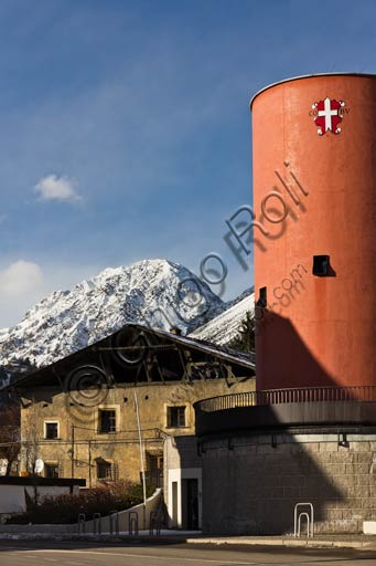 Bormio: old house and the seat of the town hall.