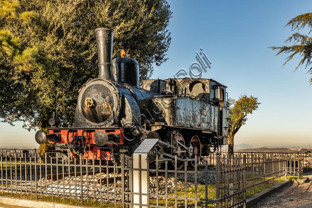 Brescia, il Castello: locomotiva a vapore dei primi del Novecento.