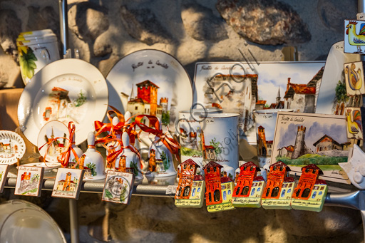 Candelo, Ricetto (fortified structure), Roberta Viana ceramics workshop: souvenirs.