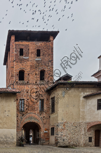 Candelo, Ricetto (fortified structure): view of the Porta Tower.