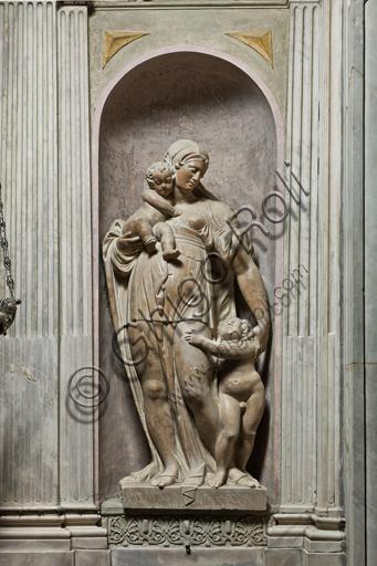 """Genova, Duomo (Cattedrale di S. Lorenzo), interno, Cappella Lercari o del Santissimo Sacramento (abside settentrionale): """"Carità"""", di Giacomo Parracca da Valsoldo, 1567-9."""