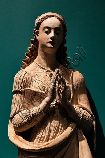 """Perugia, National Gallery of Umbria: """"S. Catherine from Alessandria"""", by Giacomo and Raffaele da Montereale, polychrome terracotta with wooden parts, 1540-50. Detail."""
