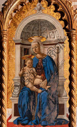 Perugia, National Gallery of Umbria: Polyptych of S. Antonio, by Piero della Francesca, 1467-9, oil on panel. Detail: at the centre Madonna and Child.