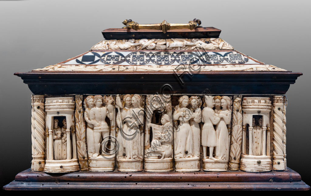 """Brescia, Pinacoteca Tosio Martinengo: """"Casket with paired figures"""", 1360 - 1380. Bone and different kinds of wood. (Florentine workshop?)"""