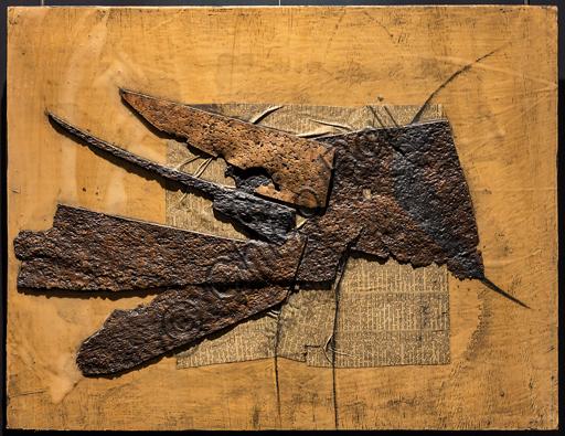 """Museo Novecento: """"Collage: Kopf (Tête)"""", di Roberto Crippa (Gaetano Crippa), 1959. Olio, sughero, carta di giornale"""