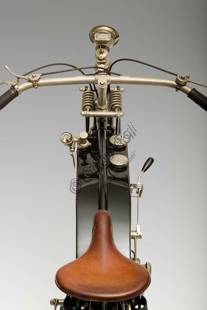 Collezione di moto d'epoca Lorenzo Prato: motocicletta Frera mod. 2,5 HP, cilindrata 270 cc., anno 1922.