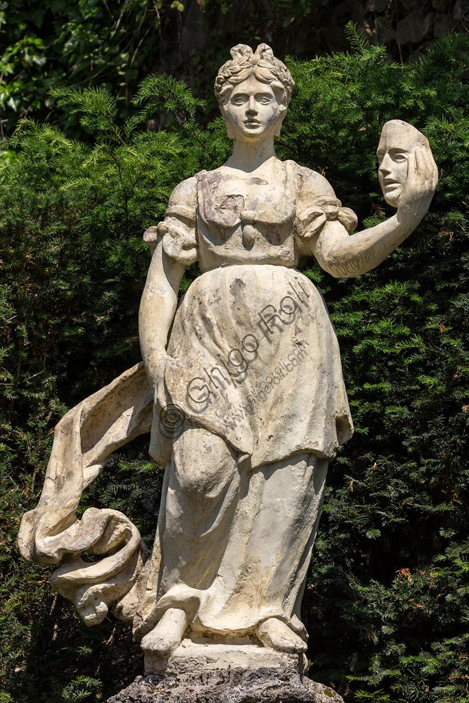 Collodi, Villa Garzoni, il giardino storico: statua della Musa Talia.