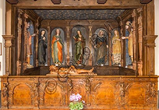 """Bormio, Centro storico, la Collegiata dei SS. Gervasio e Protasio: """"Compianto sul Cristo morto"""", di Gioan Pietro Rocca (metà 1600)."""
