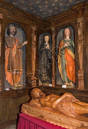 """Bormio, Centro storico, la Collegiata dei SS. Gervasio e Protasio: """"Compianto sul Cristo morto"""", di Gioan Pietro Rocca (metà 1600), dettaglio."""