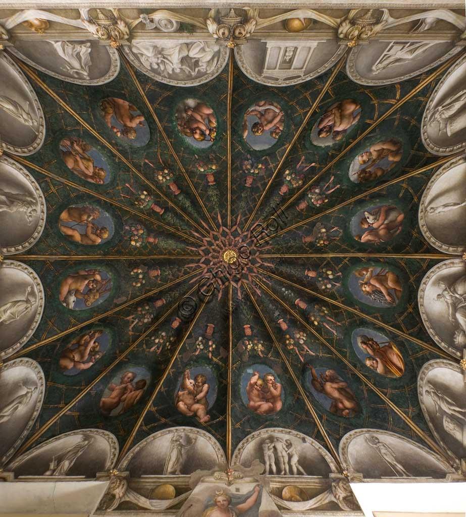 """Parma, Ex-Monastero di San Paolo, Camera della Badessa o Camera di San Paolo o di Giovanna da Piacenza, la volta: affreschi di Antonio Allegri, detto """" il Correggio """" (1518-1519) incentrati sul tema di Diana."""