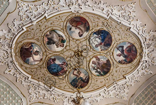 Cremona, Palazzo del Comune (Town Hall Palace), Sala della Consulta (the Consulta Room): the ceiling central medallion with plaster decoration and paintings by Antonio Rizzi (a Cremona artist) on the virtues of good governance.