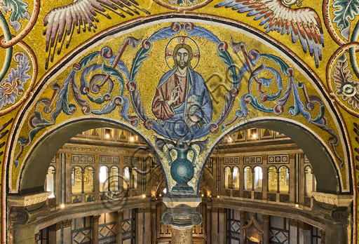 Florence, the Baptistery of St. John, the matronea,  East gallery, central matroneum (of the Evangelists): mosaics by the school of the Master of San Gaggio and of the Master of St. Cecilia (about 1300 - 1310). Detail representing blessing Christ.