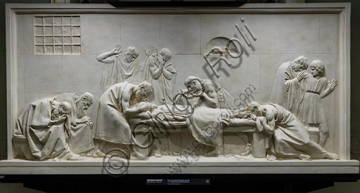 """""""Critone chiude gli occhi di Socrate"""", 1790-92, di Antonio Canova (1757 - 1822), gesso."""