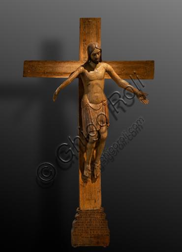 """Perugia, Galleria Nazionale dell'Umbria: """"Crocifissione"""", di scultore umbro della prima metà del XIII secolo, 1236, legno di pioppo scolpito e dipinto."""