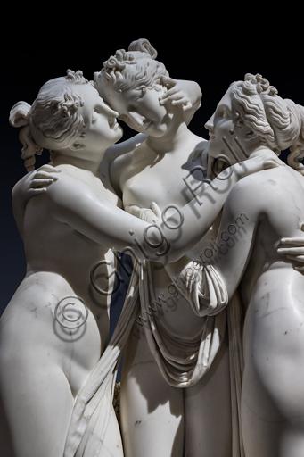 """""""Le tre Grazie"""", 1812-17, di Antonio Canova (1757 - 1822), marmo. Particolare dei visi e dell'abbraccio"""