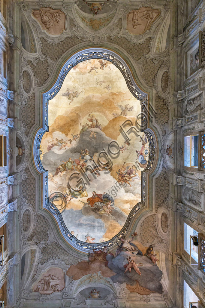 Brescia, Teatro Grande: the Entrance Hall or Foyer. The room is perhaps one of the most admirable examples of 18th-century architectural splendor applied to a theatre. The ornamental decoration was entrusted to the Venetian painters Francesco Battaglioli and Francesco Zugno. Detail of the ceiling.