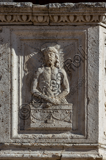Spoleto, the Duomo (Cathedral of S. Maria Assunta): detail of the lower part of the façade, one of the two pulpits: sculpted Ecce Homo.