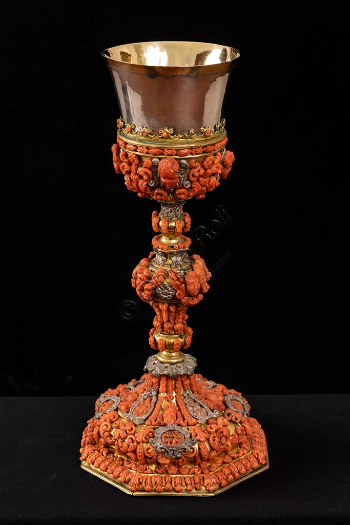 Monreale Cathedral, Diocesan Museum: chalice in coral, silver filigree and gilded copper, manufactured by the Trapani silversmith Francesco Iacono in the 18th century.