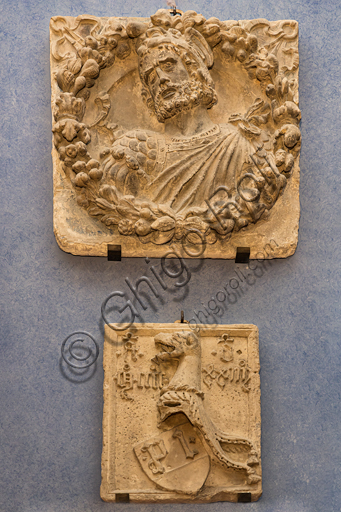 """""""Aeneas"""", follower of Niccolò dell'Arca, relief in marble, 15th century, and coat of arms."""