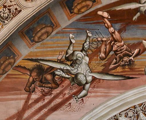 """Orvieto, Basilica Cattedrale di Santa Maria Assunta (o Duomo), interno, Cappella Nova o di San Brizio, parete nord: """"Finimondo"""", affresco di Luca Signorelli, (1500 - 1502). Particolare. A sinistra iniziano gli eventi sovrannaturali, mentre in lontananza guerre e omicidi si moltiplicano. Si tratta dell'arrivo di demoni alati mostruosi, dalle cui mani e bocche si sprigiona una pioggia infuocata che investe una moltitudine di persone terrorizzate, che si sta riversando sulla platea fuori dal confine dell'arco dipinto. Particolarmente efficace e ben conservato è il groviglio di sette giovani in primo piano, dagli abiti sgargianti, morti o nell'atto di soccombere, seguiti da due madri coi figli e un gruppo di giovani e anziani."""