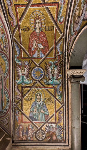 Florence, the Baptistery of St. John, the matronea,  East gallery, third matroneum (of the Saint Virgins): mosaics by the school of the Master of San Gaggio and of the Master of St. Cecilia (about 1300 - 1310).