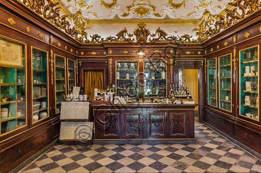 Firenze, Officina Profumo - Farmaceutica di Santa Maria Novella: l'antica spezieria seicentesca.