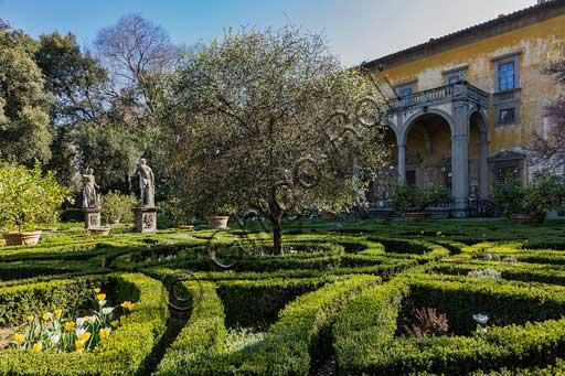 Firenze, Palazzo Corsini al Prato: il giardino e il palazzo.