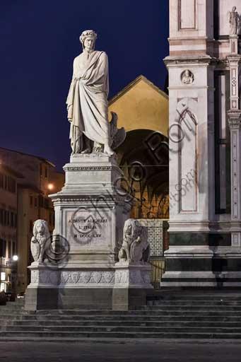 Firenze, Piazza Santa Croce: Monumento a Dante Alighieri, di Enrico Pazzi.