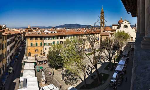 Firenze, piazza Santo Spirito: veduta panoramica dalla loggia cinquecentesca di Palazzo Guadagni.