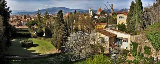 Firenze: veduta della città dai Giardini di Boboli.