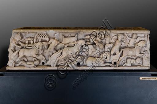 Foligno, Trinci Palace, Archaelogical Collection: sarcophagus representing Circus scenes.