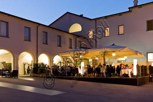Forlimpopoli, Casa Artusi:Casa Artusi: il cortile con i tavoli del ristorante.