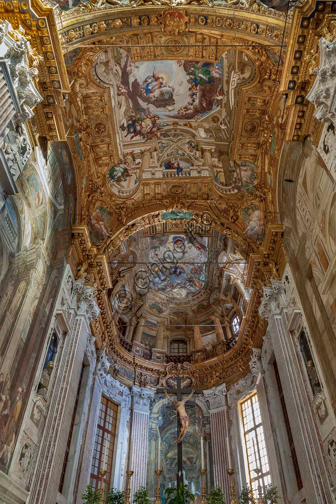 Genoa, Basilica of SS. Annunziata del Vastato, apse: the choir apse basin with illusionistic architecture. Scenes of the Life of Mary the Virgin (Annunciation, Assumption). Frescoes by Giulio Benso, 1637-38.